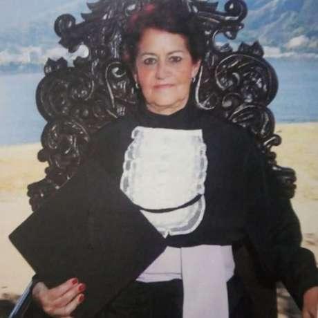 """A idade nunca me impediu de nada"", diz Dulce, que iniciou faculdade aos 62 anos"