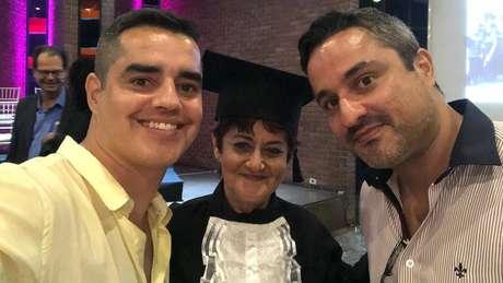 Dulce parou os estudos para se dedicar aos filhos e aos 62 anos entrou na faculdade