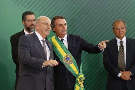 O presidente Jair Bolsonaro (PSL) empossa Osmar Terra como ministro da Cidadania