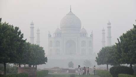 A região onde fica o Taj Mahal enfrenta um sério problema de poluição do ar