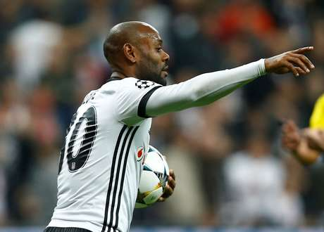 Vagner Love pode estar de saída do Besiktas