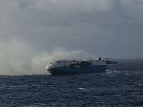 Navio Sincerity Ace pegou fogo no Pacífico durante viagem entre o Japão e o Havaí