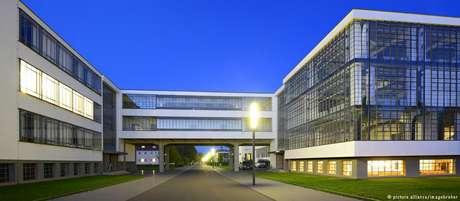 Prédio da Bauhaus em Weimar é ícone do modernismo