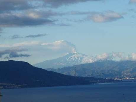 Erupção no vulcão Etna, na Sicília