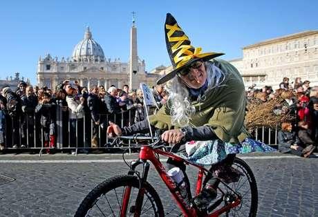 Conheça Befana, a bruxa italiana dos presentes de Natal