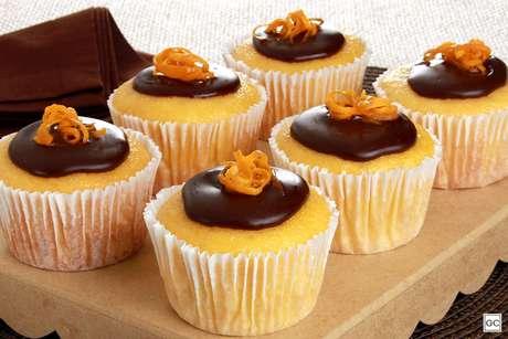 Minibolo de laranja com chocolate
