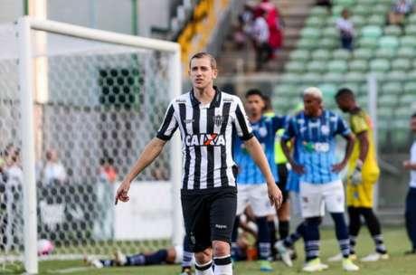 """Adilson tem concorrência de Elias, Blanco e Zé Welison na """"volância"""" do Galo- Foto: Bruno Cantini / Atlético-MG"""