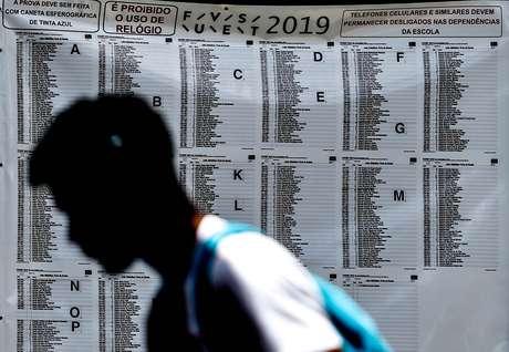 Segundo a Fuvest, 32.178 candidatos, que disputam 8.362 vagas, além de 3.193 treineiros, devem fazer as provas na edição deste ano