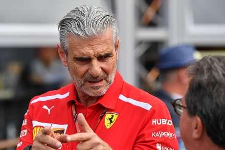 Mattia Binotto substitui Maurizio Arrivabene como chefe da Ferrari