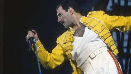 O estilo do verdadeiro Freddie Mercury (foto) no palco foi estudado à exaustão por Malek