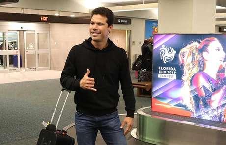Hernanes está na Flórida com o restante da equipe do São Paulo