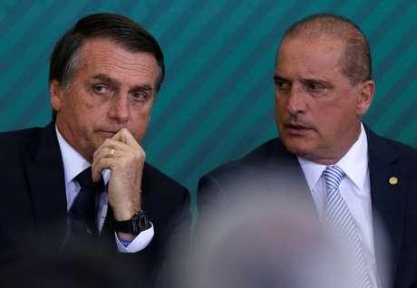 Presidente Jair Bolsonaro e ministro da Casa Civil, Onyx Lorenzoni, durante cerimônia em Brasília 07/01/2019 REUTERS/Adriano Machado