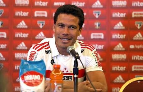 Hernanes foi apresentado na segunda-feira, em Orlando - Rubens Chiri/saopaulofc.net