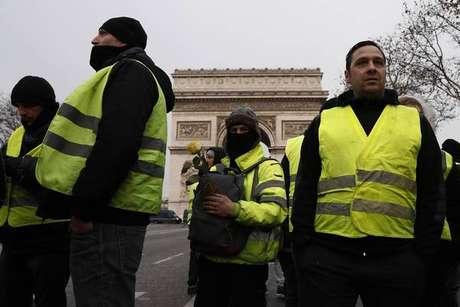"""Coletes amarelos viram motivo de """"briga"""" entre Itália e França"""