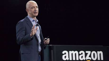 Jeff Bezos, fundador da Amazon, é o homem mais rico do mundo, segundo a Bloomberg