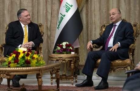 Secretário de Estado dos EUA, Mike Pompeo, e presidente do Iraque, Barham Saleh, em Bagdá 09/01/2019  Andrew Caballero-Reynolds/Pool via REUTERS
