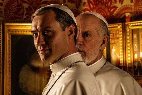 John Malkovich deve interpretar o novo líder da Igreja Católica, substituindo o ousado pontífice vivido por Jude Law.