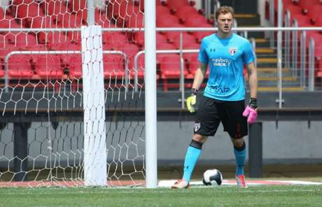 Lucas Perri em ação pela equipe sub-23 do São Paulo, campeã do Brasileiro de Aspirantes (Foto: saopaulofc.net)