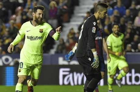 Pelo Campeonato Espanhol, Barcelona goleou o Levante, fora de casa, por 5 a 0 (Foto: AFP)