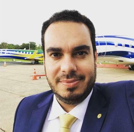 """Também jornalista, Paulo Martins considera Olavo de Carvalho """"o grande responsável pelo início da reação cultural no Brasil"""""""