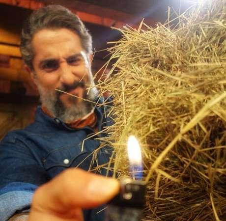Parodiando o 'fogo no parquinho', do 'BBB',Marcos Mion lançou o 'fogo no feno' para 'A Fazenda'.