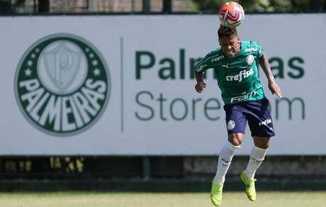 Marcos Rocha assinou com o Palmeiras por quatro temporadas