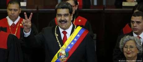 Maduro em cerimônia de posse em Caracas