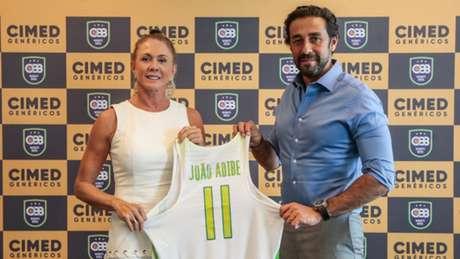 'Rainha' Hortência e João Adibe, presidente da Cimed (Foto: Wander Roberto/Inovafoto)