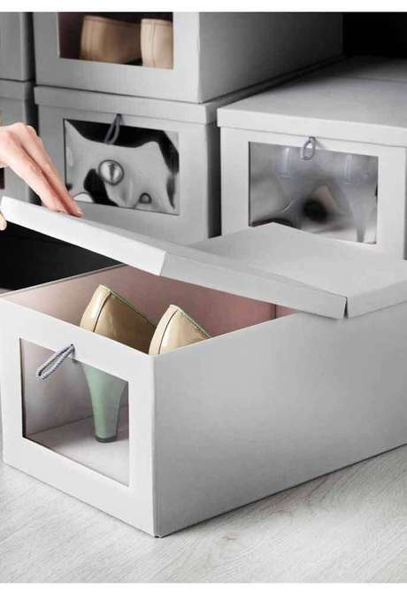 7. A caixa organizadora com tampa é uma excelente escolha para organizar os seus sapatos – Foto: Wood Save