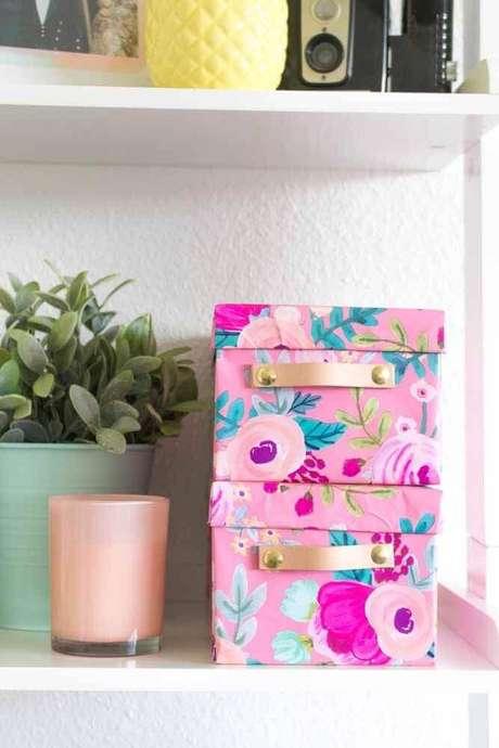 3. A caixa organizadora de papelão é uma excelente opção para guardar objetos leves – Foto: The Spruce Crafts