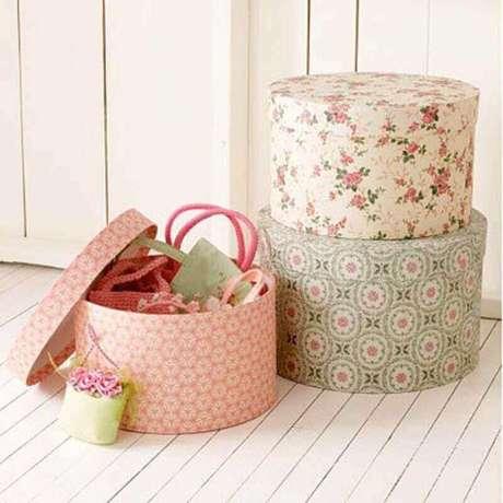 38. Invista em uma decoração bem bonita para as suas caixas organizadoras de papelão – Foto: Factory Direct Craft