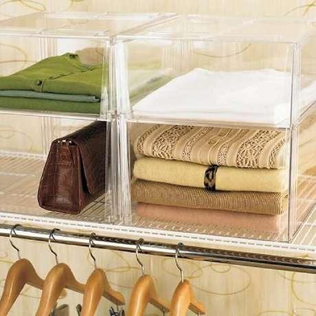 4. A caixa organizadora de acrílico é uma das melhores opções para organizar e decorar o closet – Foto: Closet & Wadrobe Ideas