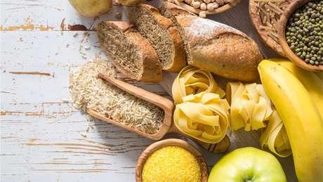 A fibra está presente em frutas, legumes, pães e massas integrais e lentilhas