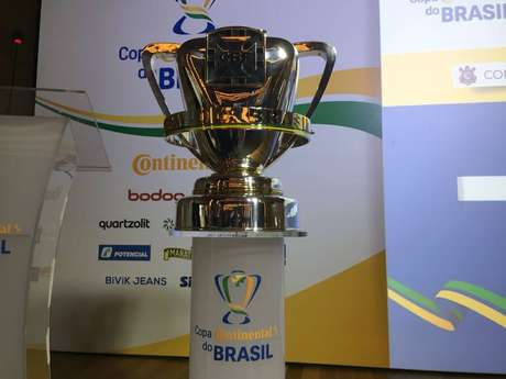 Taça que será dada ao campeão daCopa do Brasil