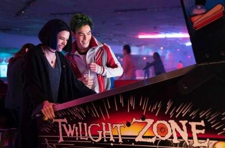 Ravena e Mutano juntos em cena na live-action 'Titãs'.