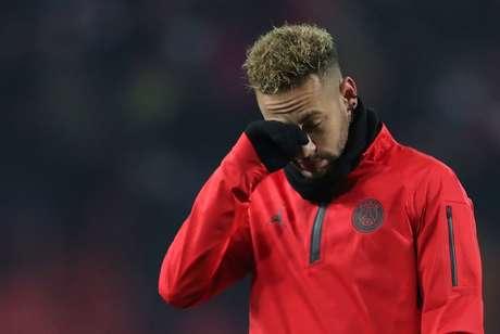 Neymar antes de partida pelo PSG na Liga dos Campeões contra o Crvena Zvezda