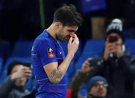 Fábregas deixa o campo após jogo pela Copa da Inglaterra 05/01/2019 REUTERS/Eddie Keogh