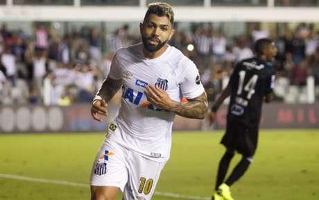 Segundo o pai de Gabigol, Santos não o procurou para renovar empréstimo junto à Internazionale (Foto: Flavio Hopp)