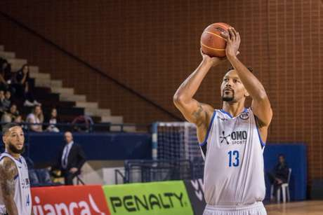 Toledo foi o principal pontuador do Pinheiros na partida (Foto: Divulgação/NBB)