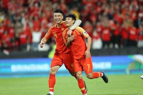 Wu Lei (7) marcou dois gols na partida (Foto: Divulgação/AFC)