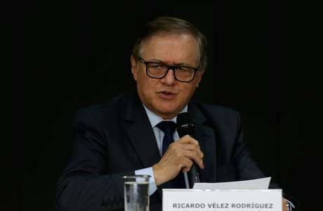 Ricardo Vélez Rodríguez é o ministro da Educação
