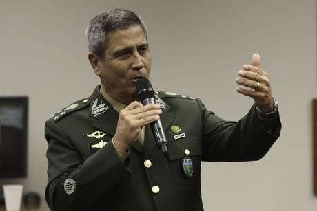 General Braga Netto participa de seminário na Câmara dos Deputados