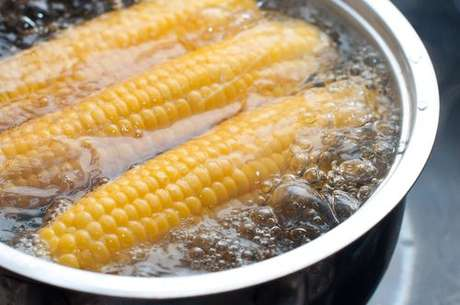 Use o método tradicional para cozinhar seu milho!