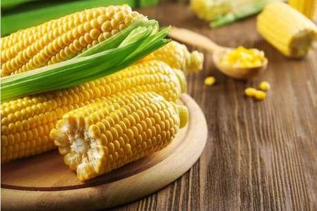 Como cozinhar milho: veja 3 maneiras