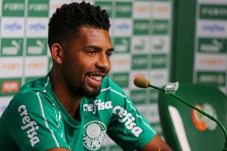 Matheus Fernandes deu entrevista coletiva como jogador do Palmeiras