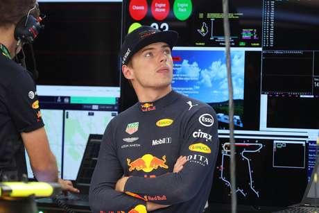 """Verstappen considera que foi um dia """"construtivo"""" junto dos comissários da Fórmula E"""