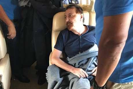 Avião enviado de Roma iniciou trajeto para extradição de Battisti no Aeroporto Viru Viru, em Santa Cruz de la Sierra.