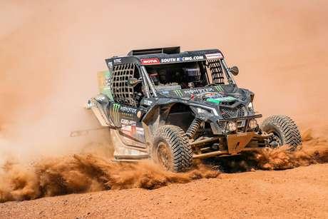Vice-líderes, brasileiros recarregam as energias para as etapas finais do Rally Dakar