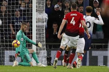 Goleiro foi o personagem da vitória do United (Foto: AFP)
