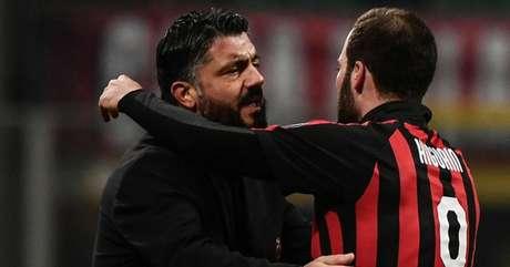 Na opinião de Gattuso, Higuaín já decidiu deixar o Milan rumo ao Chelsea (Foto: AFP)